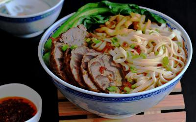 Thưởng thức món mì bò Đài Loan thơm ngon nức tiếng