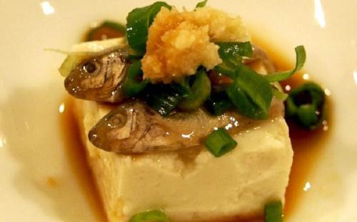 Thưởng thức một vài món ăn đặc sản phổ biến ở đảo nổi Okinawa