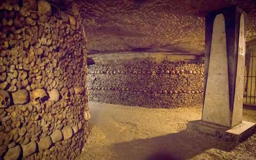 Những bí ẩn dưới mê cung nghĩa địa trong lòng thành phố Paris