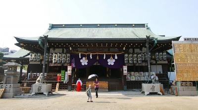 Tham quan ngôi đền Tenmangu Osaka