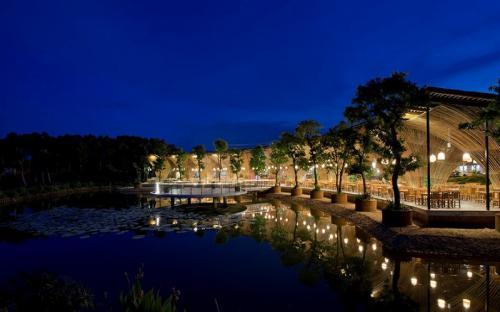 Những nhà hàng như công viên thu nhỏ giữa lòng Hà Nội