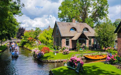 Ngôi làng Giethoorn – xứ sở thần tiên của Hà Lan