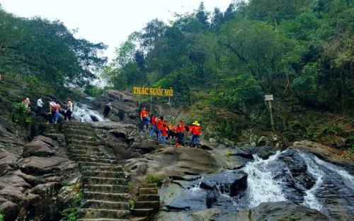 Giải nhiệt mùa hè với khu du lịch sinh thái Suối Mỡ - Bắc Giang