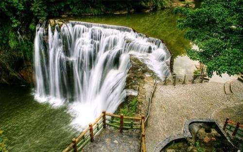 Khám phá những điều thú vị ẩn sau cái tên thác nước Thập Phần
