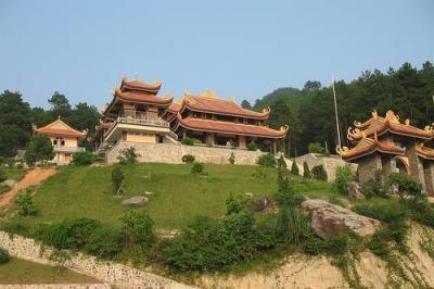 Trúc Lâm Tây Thiên - Thiền Viện lớn của Việt Nam