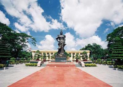Tượng nữ tướng Lê Chân - biểu tượng của Hải Phòng