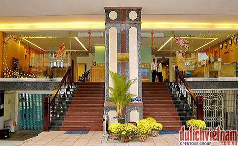 Ngắm thiên đường du lịch Nha Trang từ khung cửa sổ phòng khách sạn Victorian
