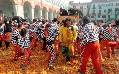 Trận chiến với những trái cam ở Italy