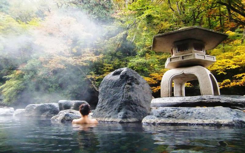 Tận hưởng dịch vụ tắm khoáng ở Spa Yunessun