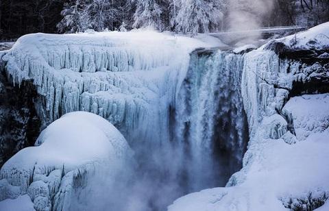 thác Niagara đóng băng ở nhiệt độ dưới âm 30 độ C