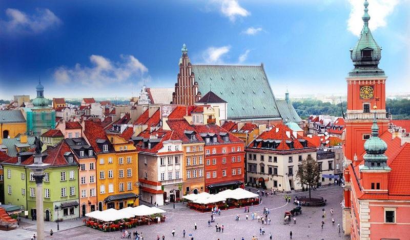 Quảng trường Warsaw, nơi có những ngôi nhà rực rỡ có cấu trúc độc đáo