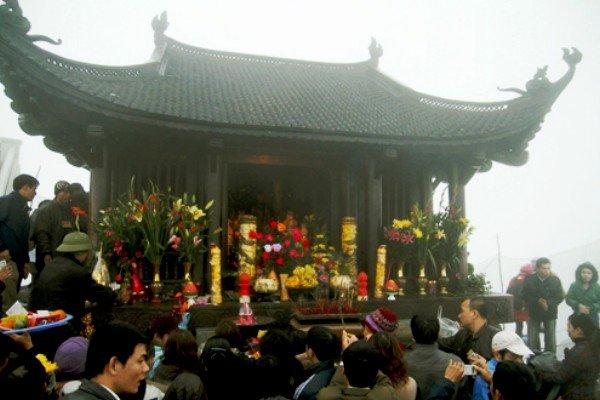 Xuân sang hành hương về Yên Tử