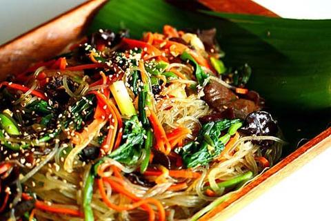 Miến trộn trong văn hóa ẩm thực Hàn Quốc