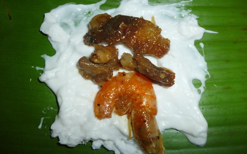 Bánh bột lọc Huế - món ăn chứa đựng bao tâm tình sau lớp lá
