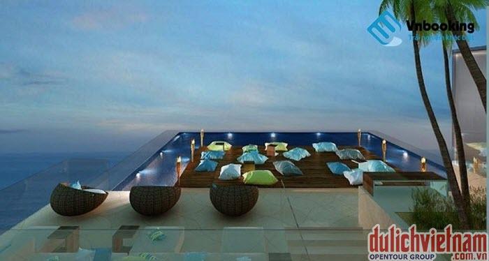 Bể bơi trên tầng thượng