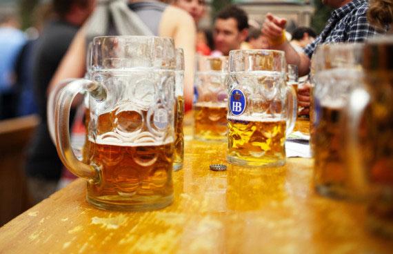 Du lịch vòng quanh thế giới qua những ly bia2