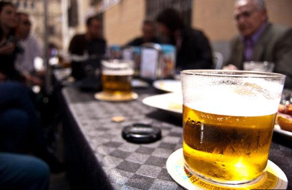 Du lịch vòng quanh thế giới qua những ly bia4