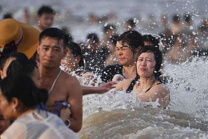biển Sầm Sơn quá tải
