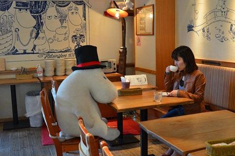 Ở Moomin Bakery & Café, bạn sẽ ăn tối cùng...thú nhồi bông