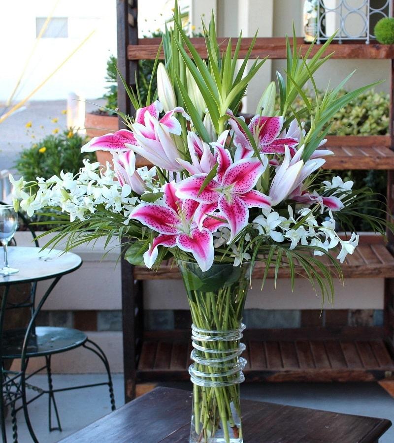 Cắm hoa trưng Tết rước tài lộc về nhà