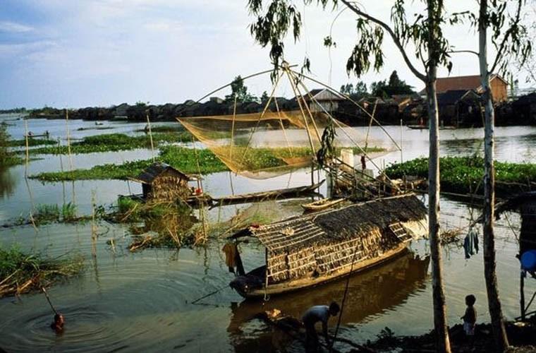 Cuộc sống của người dân miền sông nước