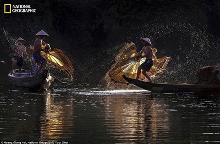 Những ngư dân quăng lưới, đánh bắt cá