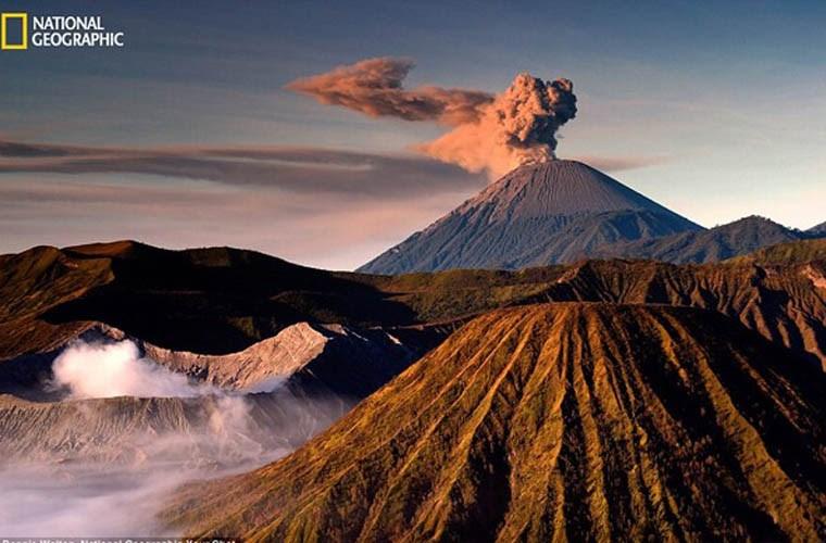 Hình ảnh ấn tượng về một ngọn núi lửa