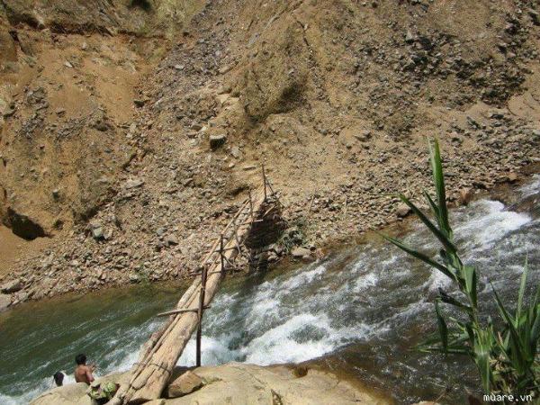 Những chiếc cầu treo đáng sợ nhất Việt Nam4