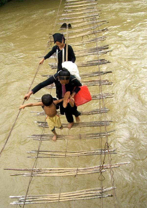 Những chiếc cầu treo đáng sợ nhất Việt Nam6