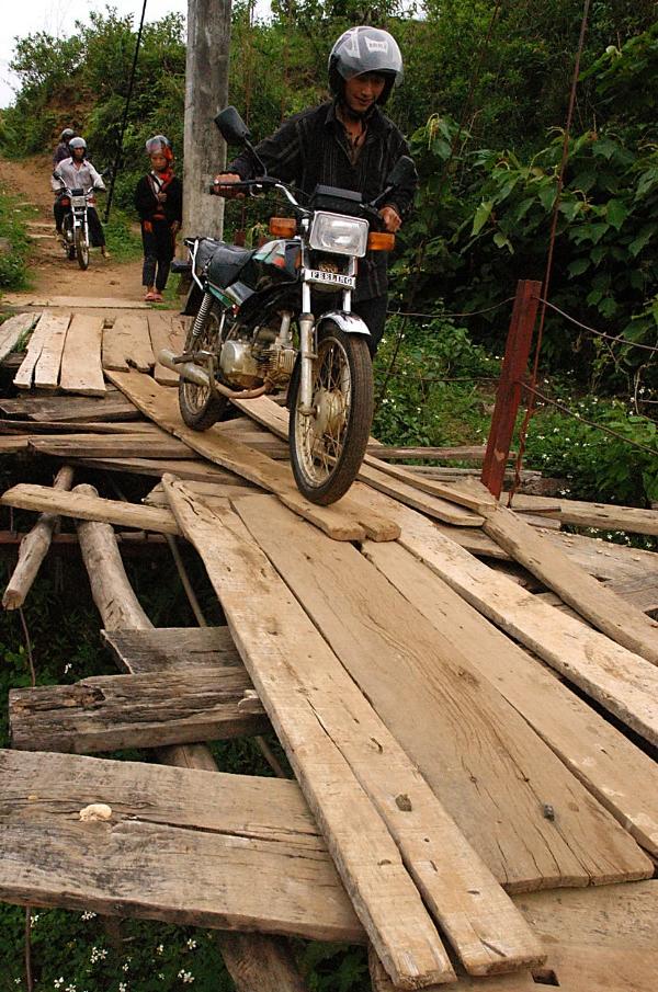 Những chiếc cầu treo đáng sợ nhất Việt Nam7