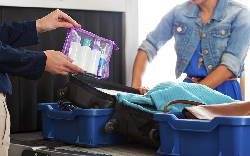 quy định cấm chất lỏng trong hành lý