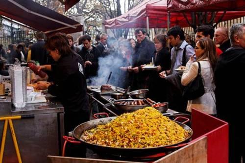 Thăm chợ ẩm thực lâu đời nhất London