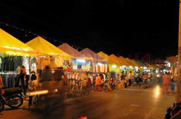 chợ đêm Hà Tiên - du lịch Hà Tiên
