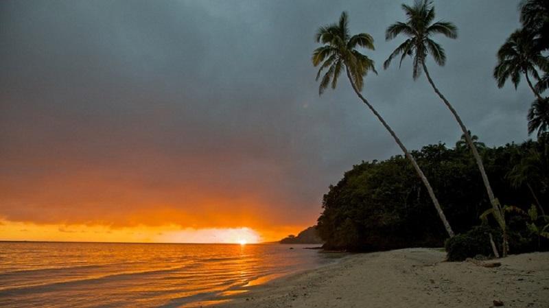 Bãi biển Coral Coast thuộc Tây Úc - nơi nổi tiếng với những ngày dài đầy nắng
