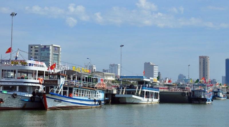 Bến thuyền đưa du khách trải nghiệm trên dòng sông Hàn Đà Nẵng