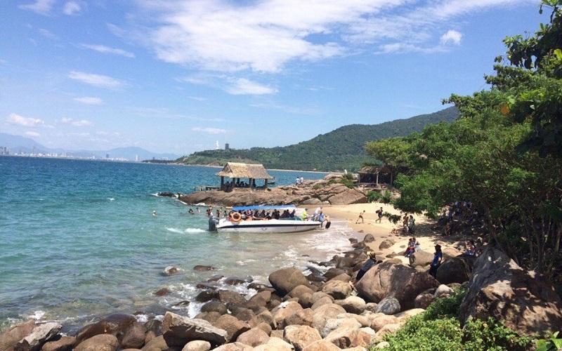 Bãi đá Nam Bán đảo Sơn Trà