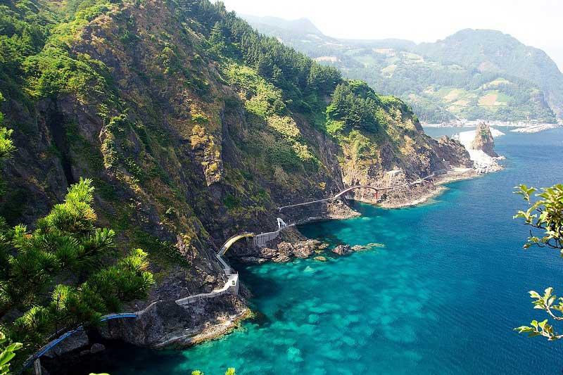 Khó cưỡng lại vẻ đẹp đầy lãng mạn và quyến rũ ở đảo Ulleung-do