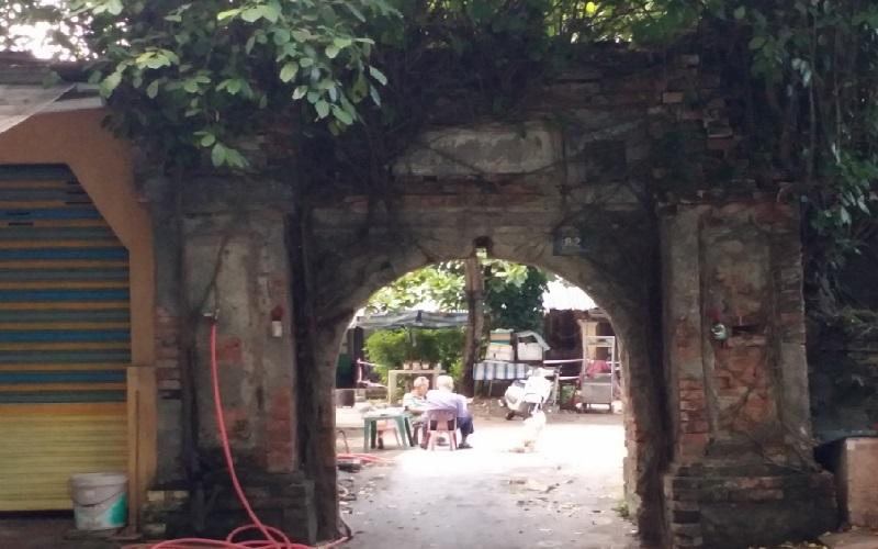 Cổng di tích Khâm Thiên Giám chưa biết sụp đổ khi nào