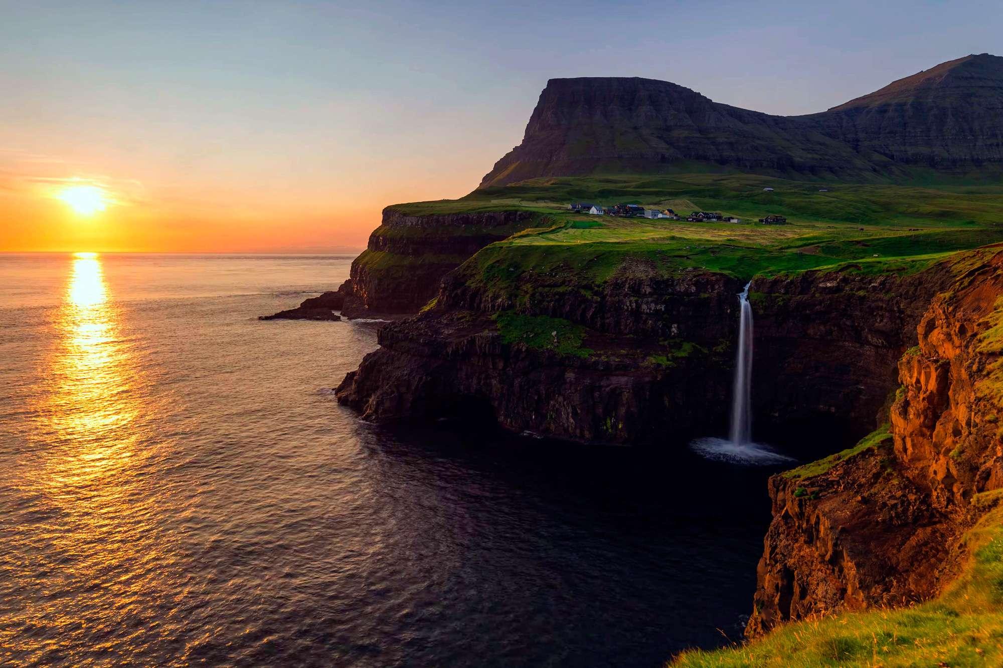 Khám phá 6 địa điểm nơi du khách có thể ngắm mặt trời lúc nửa đêm