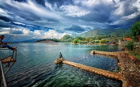Hồ Toba - hồ núi lửa lớn nhất thế giới