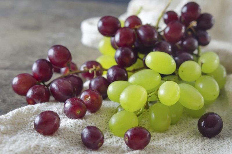 Ăn 12 trái nho ngày mùng 1 Tết mang lại may mắn cho cả năm