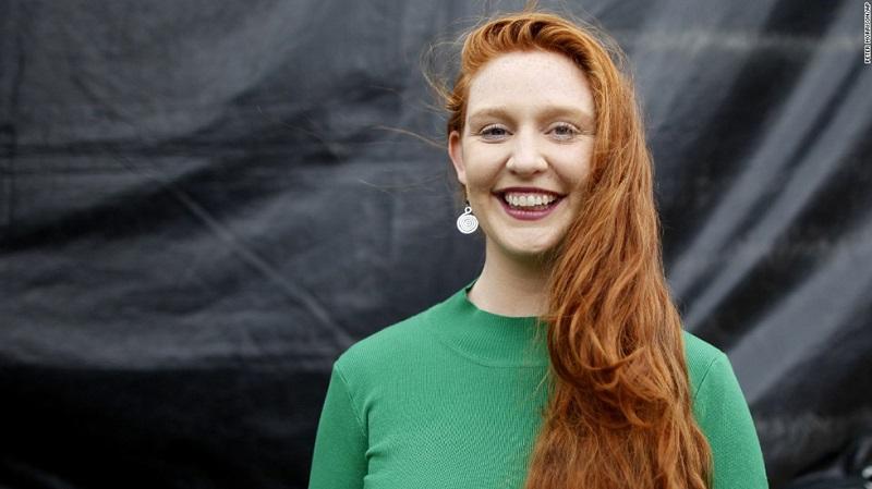 """Hanna Joseph từ Úc được nhận giải """"Người tóc đỏ có quãng đường di chuyển xa nhất""""."""