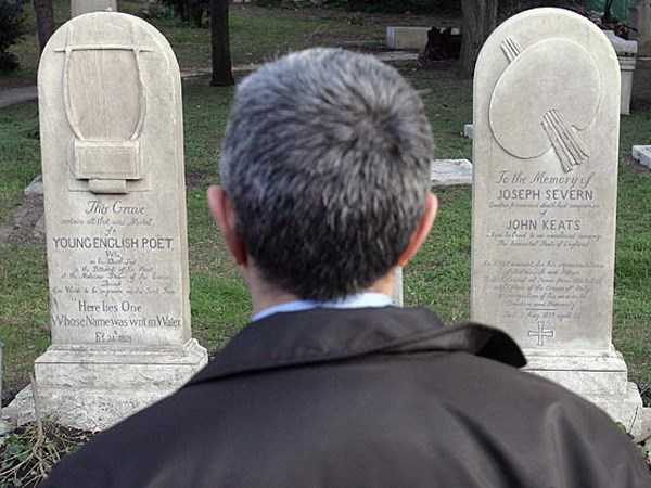 Du lịch nghĩa trang ở Italy
