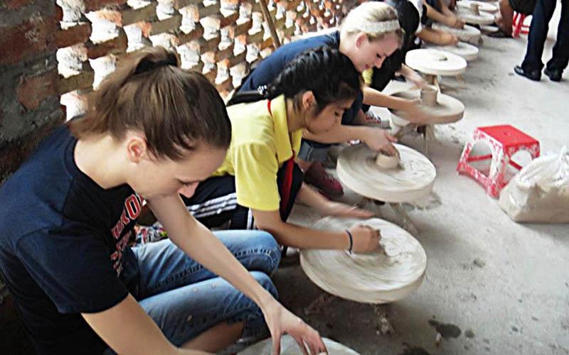 Du lịch văn hóa - Du lịch làng nghề: Tiềm năng còn bỏ ngỏ