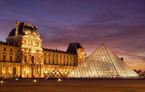 Cung điện Louvre uy nga, tráng lệ