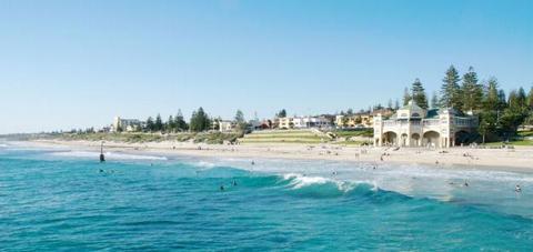 Biển Cottesloe xanh lơ ở Perth