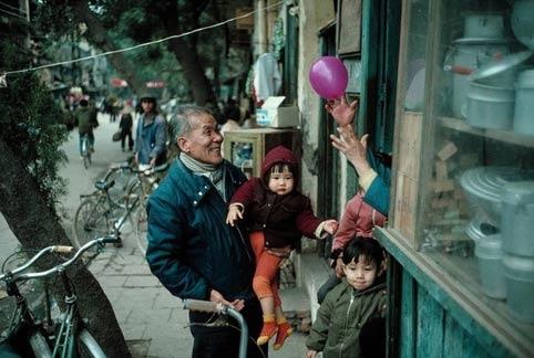 Nhìn lại Hà Nội những năm 80 qua lăng kính nước ngoài