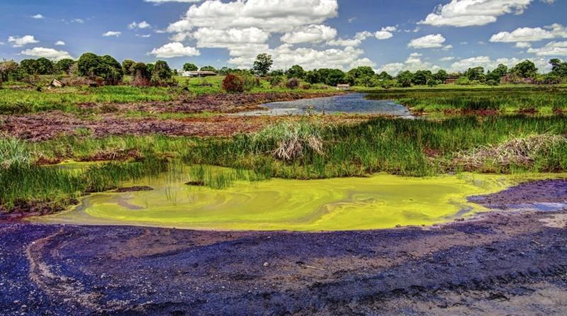 Hồ Pit được hình thành bởi sự trừng phạt của các vị thần theo truyền thuyết