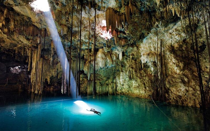 Khung cảnh thần tiên ở những hồ nước đẹp nhất thế giới