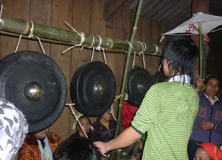 Nét đẹp văn hóa ở Miền tây Nghệ An trong lễ hội Xăng Khan